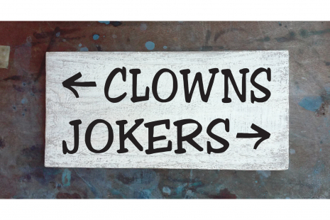 Clowns, Jokers sign